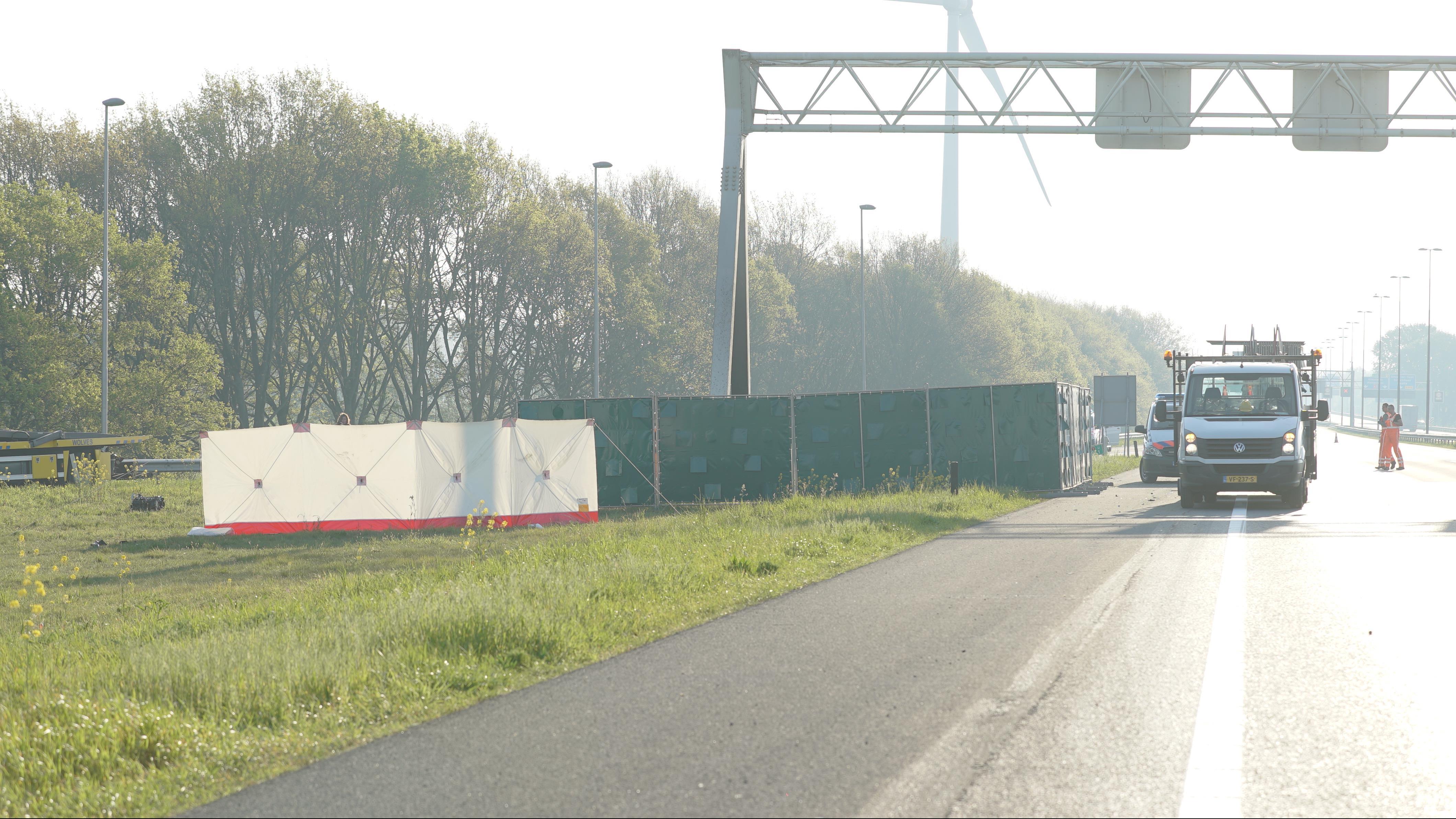 Vier doden door ongeluk op A1 bij Deventer.