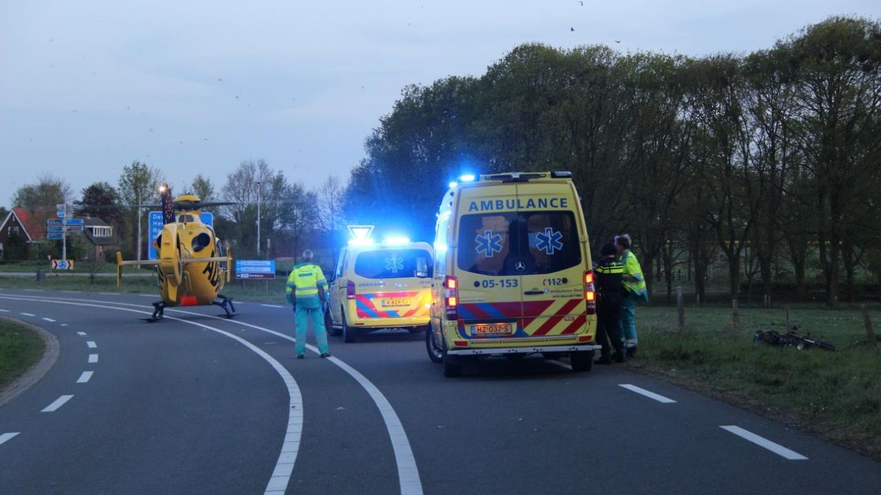Traumahelikopter rukt uit voor ongeval met motorrijder in Holten.