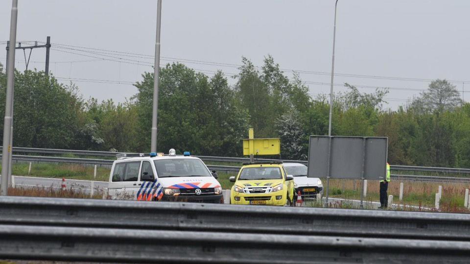 Toerit A28 bij Staphorst dicht na ongeluk.