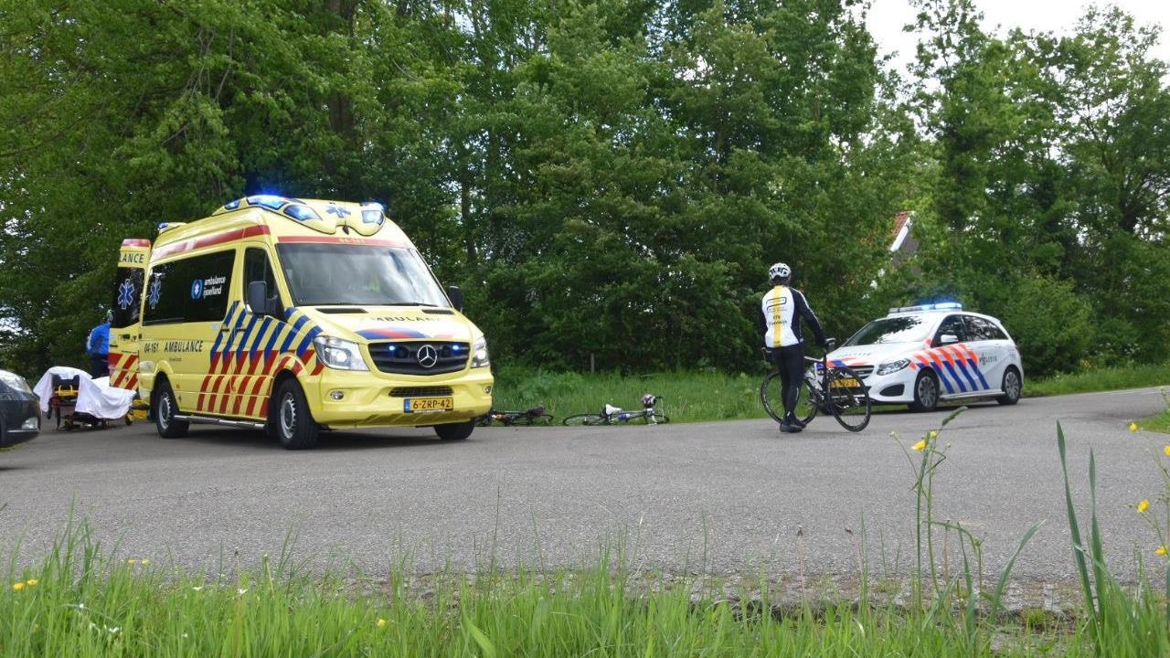 Wielrenner gewond bij botsing met busje in De Pol.