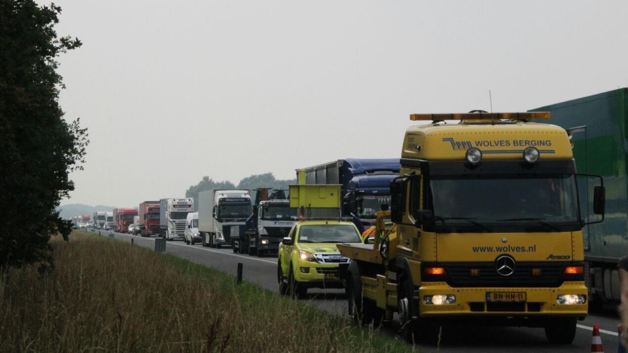 File na ongeluk op A1 bij Hengelo voorbij.