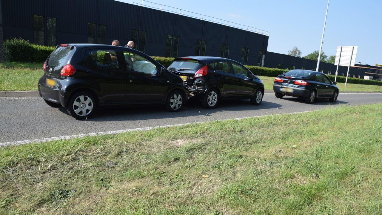 Twee gewonden bij ongeluk in Almelo.
