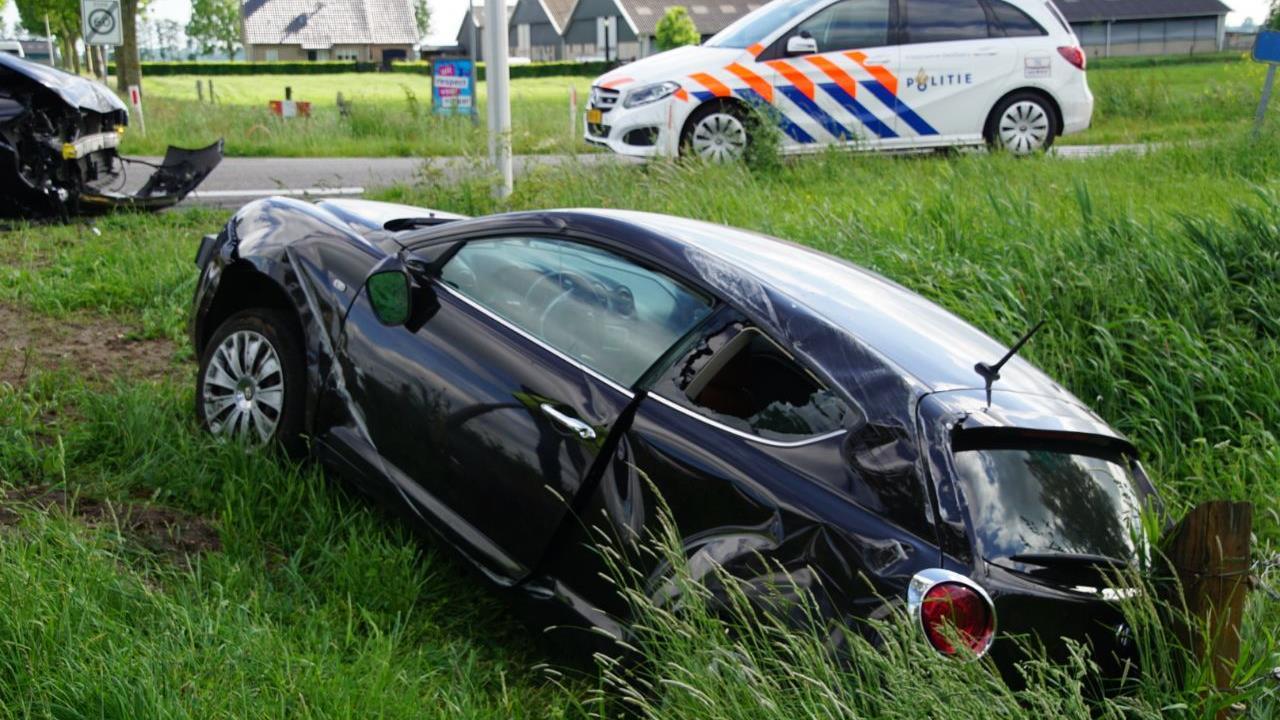 Automobilist naar ziekenhuis na ongeluk bij Rouveen.