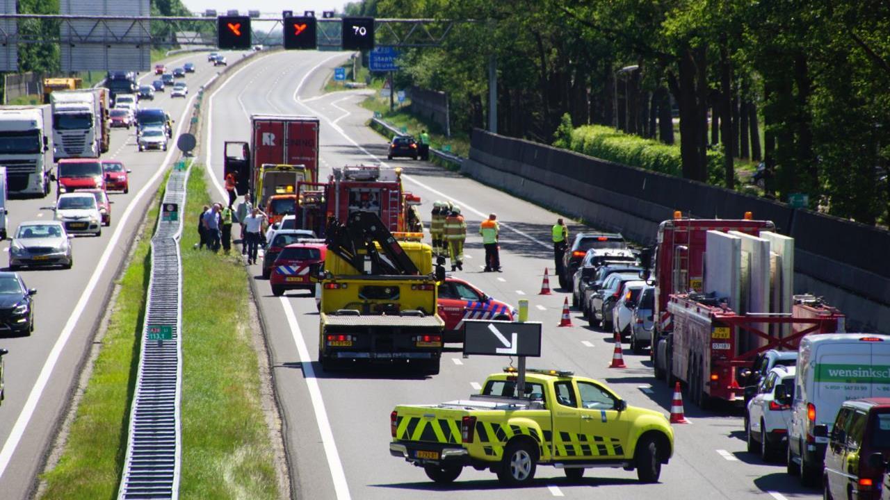 Weg weer vrij na ongeluk op A28 bij Staphorst.