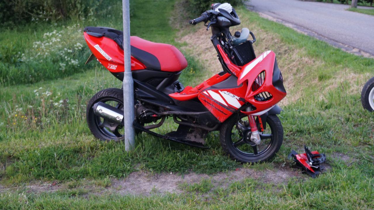 Scooterrijder naar het ziekenhuis na ongeluk in Olst.