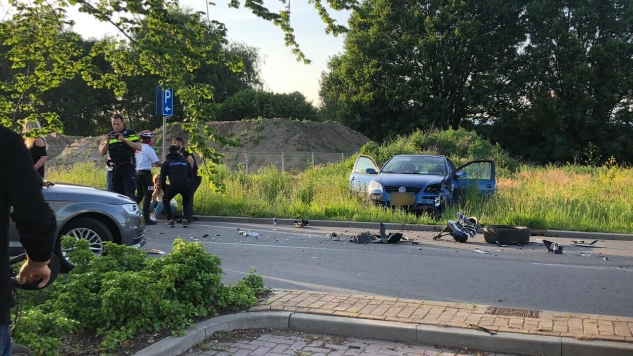 Drie autos betrokken bij ongeluk in Nijverdal.