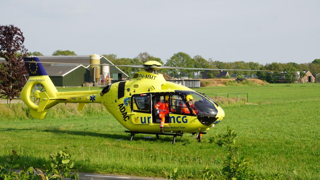 Man uit Hardenberg overleden bij ongeluk op N377, politie houdt automobilist aan.
