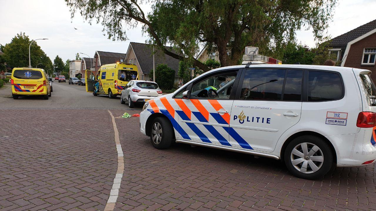 Scooterrijdster gewond bij botsing in Hengelo, kind met de schrik vrij.