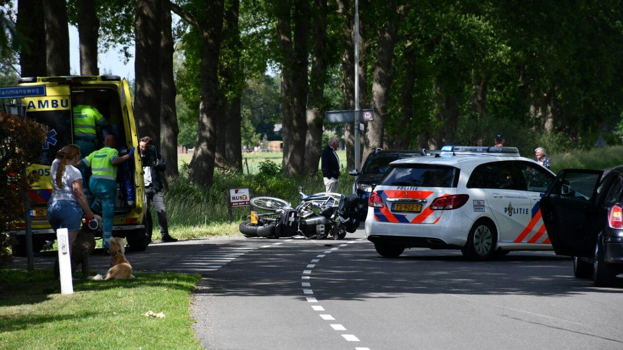 Fietser overleden na verkeersongeval in Den Ham.