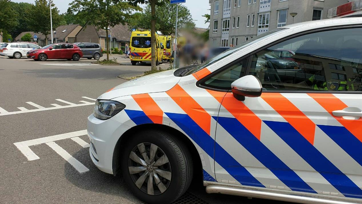 Vrouw zwaar gewond na aanrijding door auto in Hengelo.
