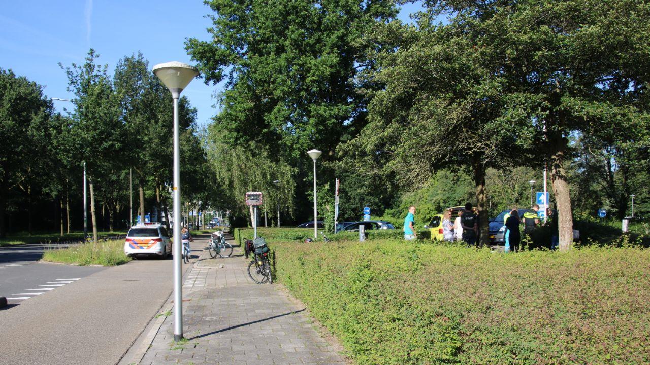 Meisje op scooter raakt gewond bij aanrijding in Zwolle.