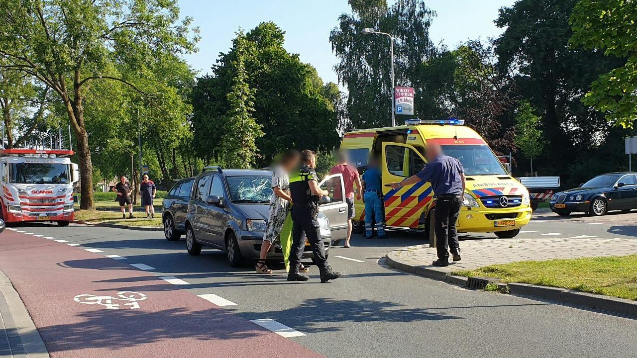 Enschede singel muurvast na ongeluk met fietser.