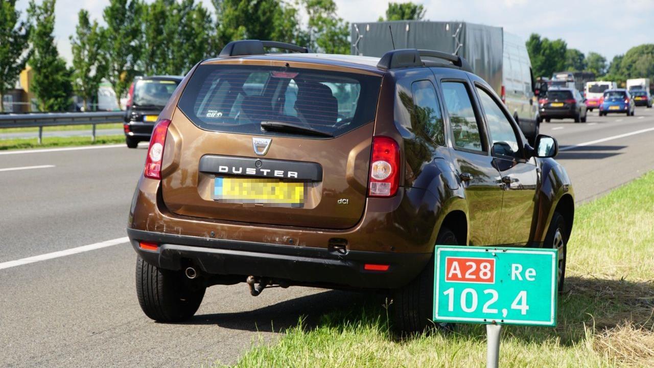 Kop-staartbotsing op A28 bij Zwolle.
