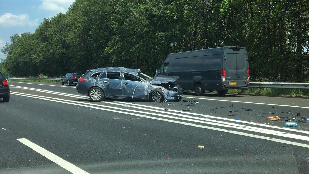 File op A35 bij Hengelo door ongeluk.