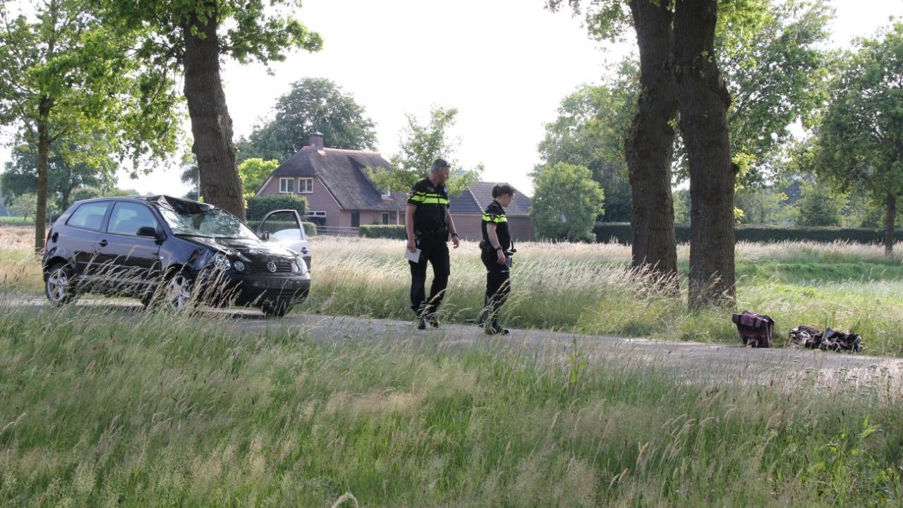 Fietser omgekomen bij aanrijding met auto in Lemelerveld.