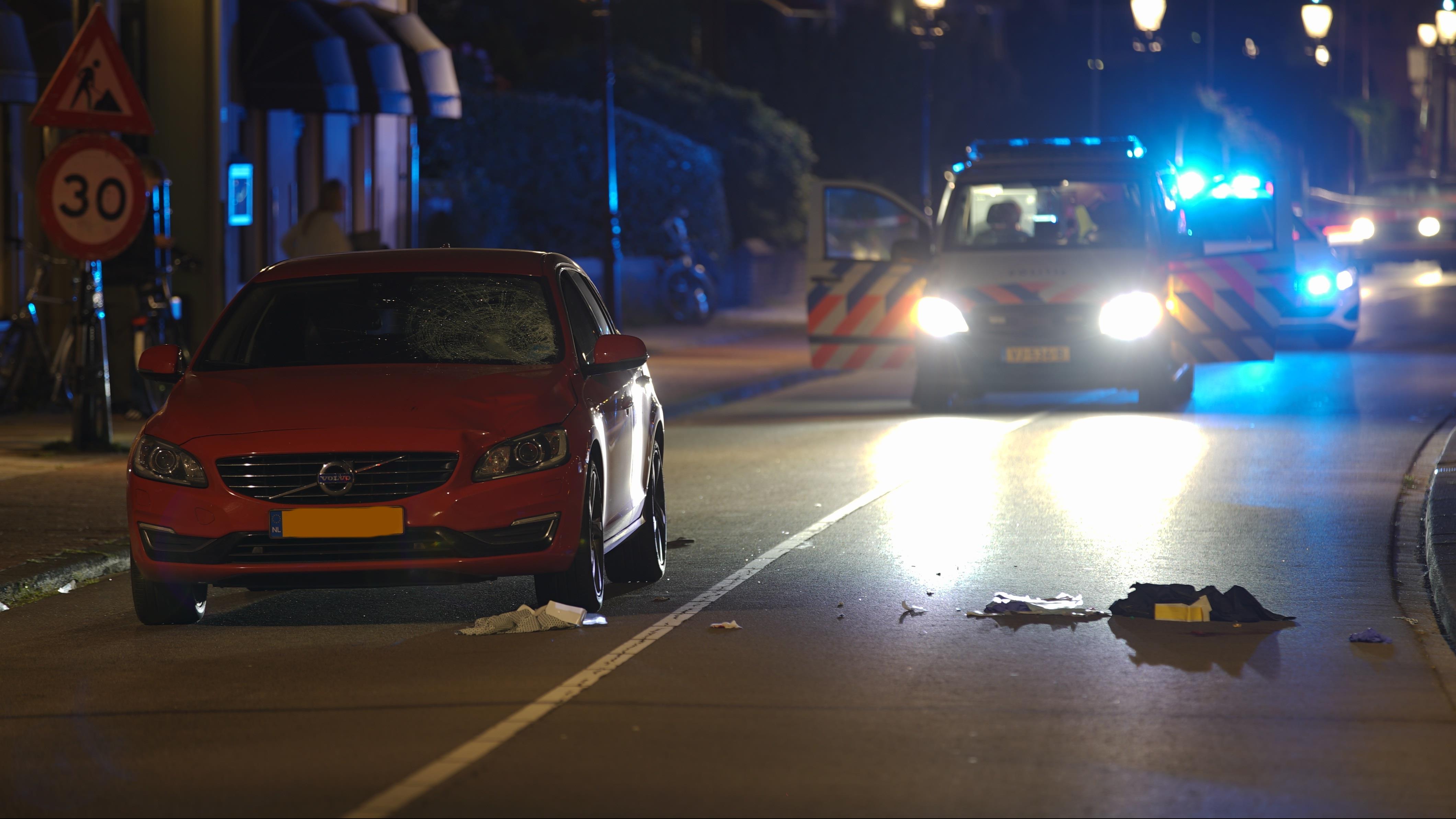 Voetganger zwaargewond geraakt bij aanrijding op Wellekade in Deventer.