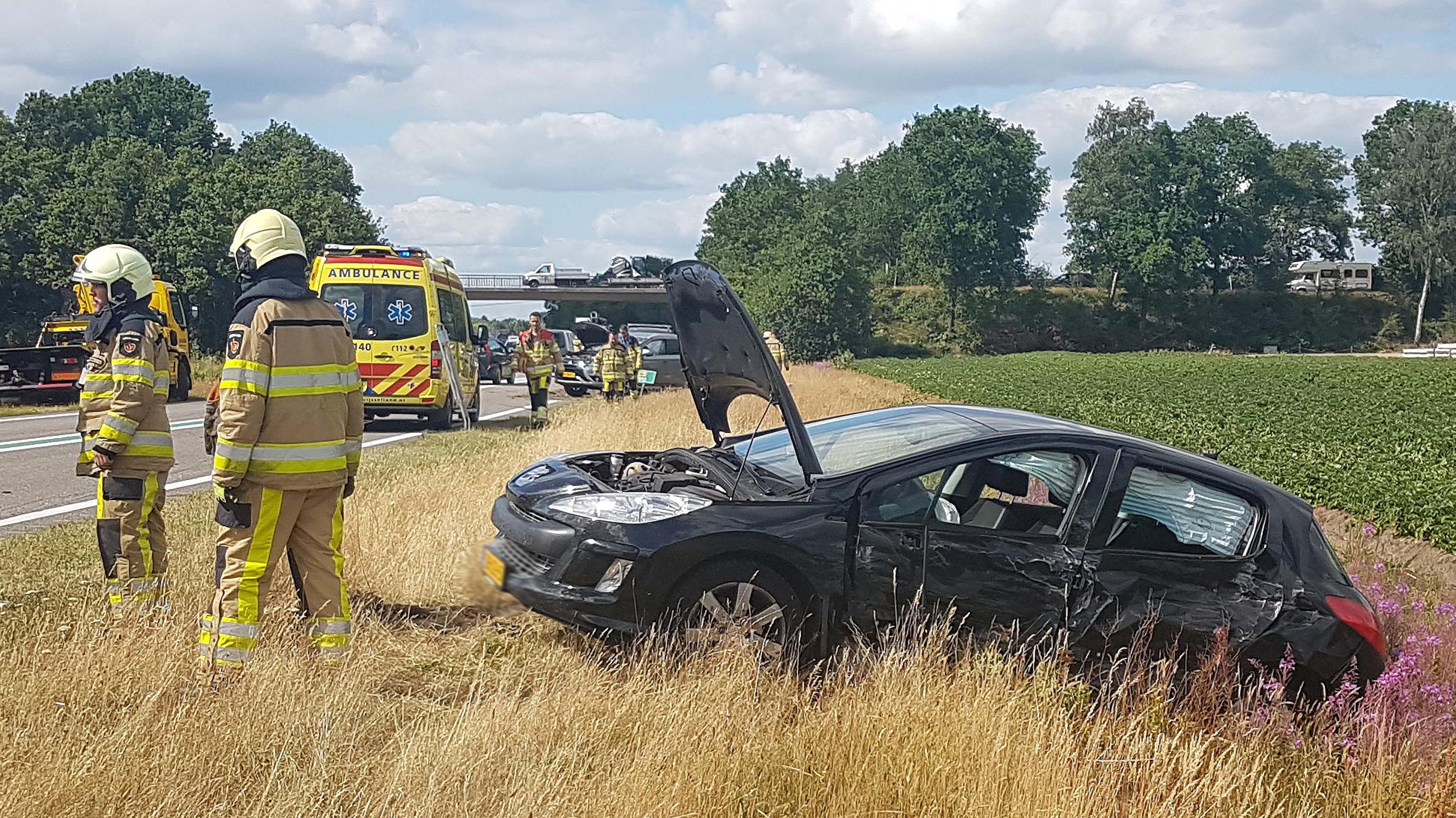 Gewonde bij ongeluk op N48 bij Ommen.