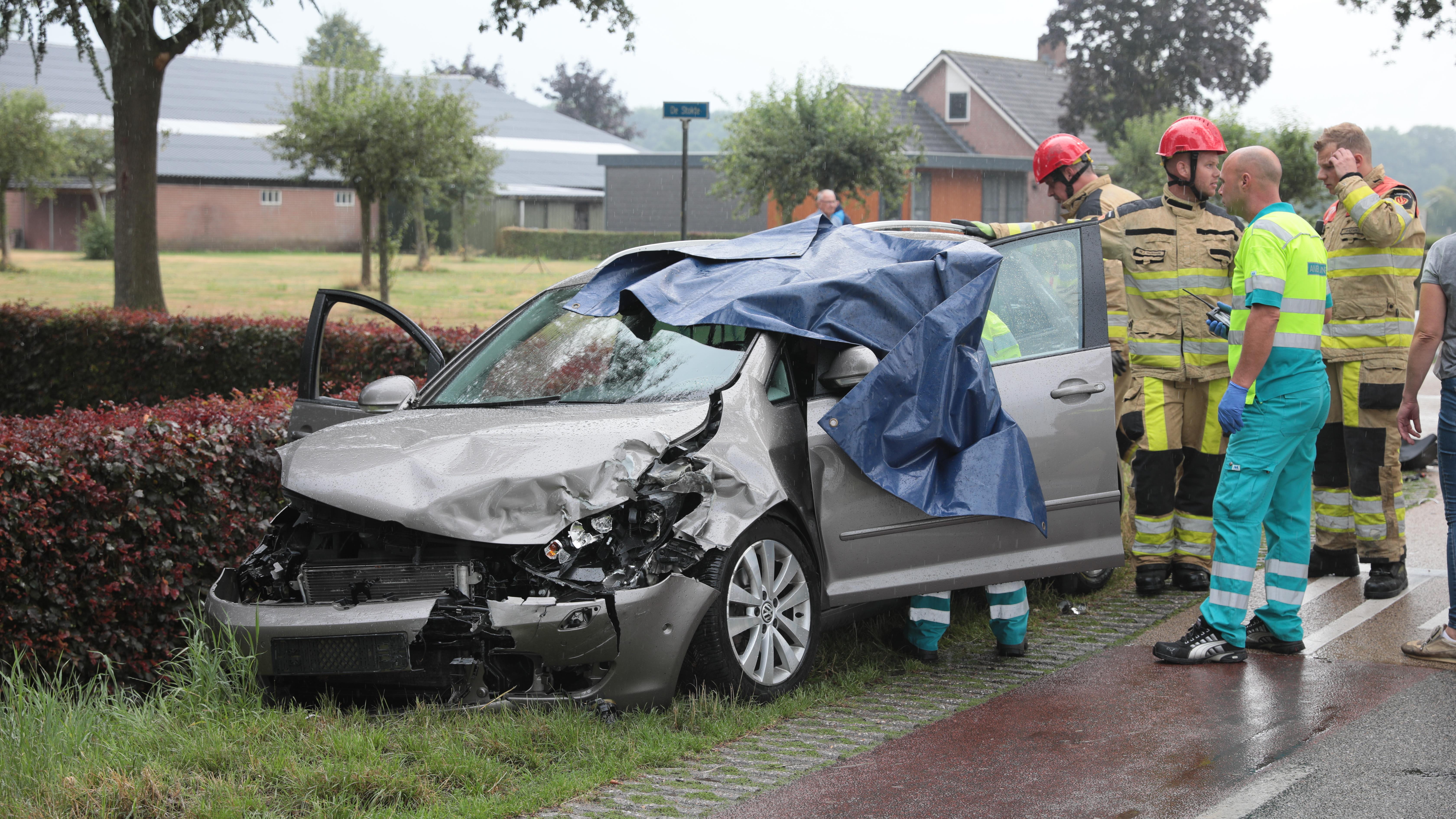 Drie gewonden bij ongeluk in Dalfsen.