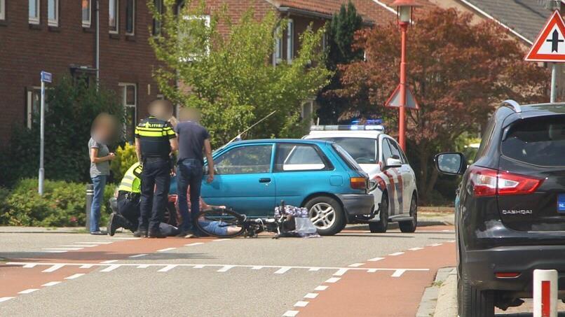 Fietser gewond bij aanrijding in Holten.