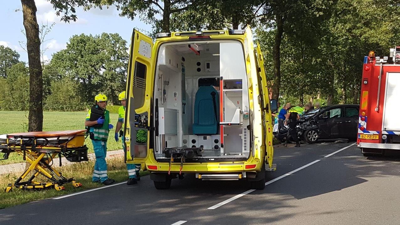 Meerdere gewonden bij ernstig ongeluk in Harbrinkhoek.