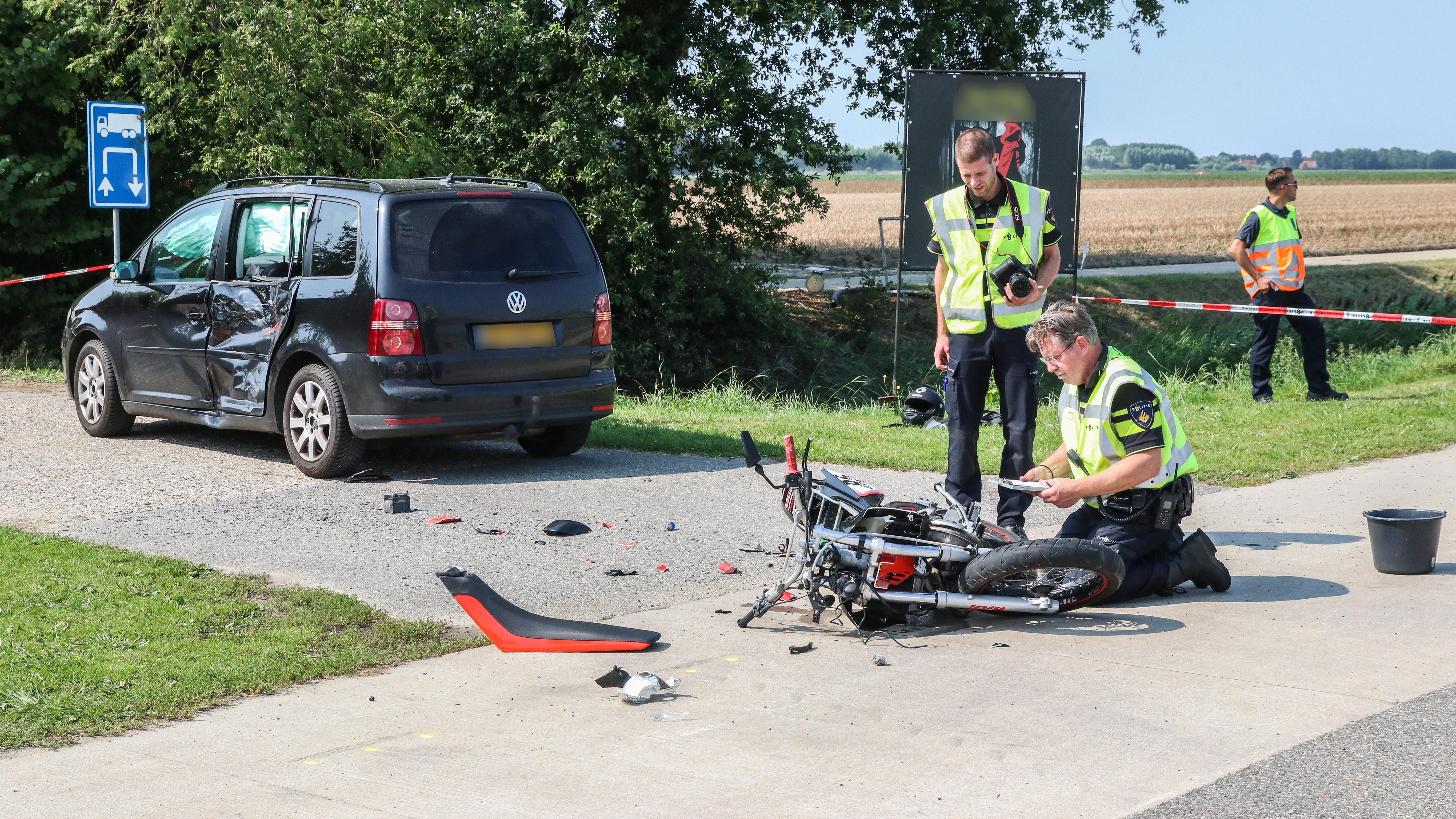 Brommerrijder gewond na aanrijding met auto op N331 bij Vollenhove.