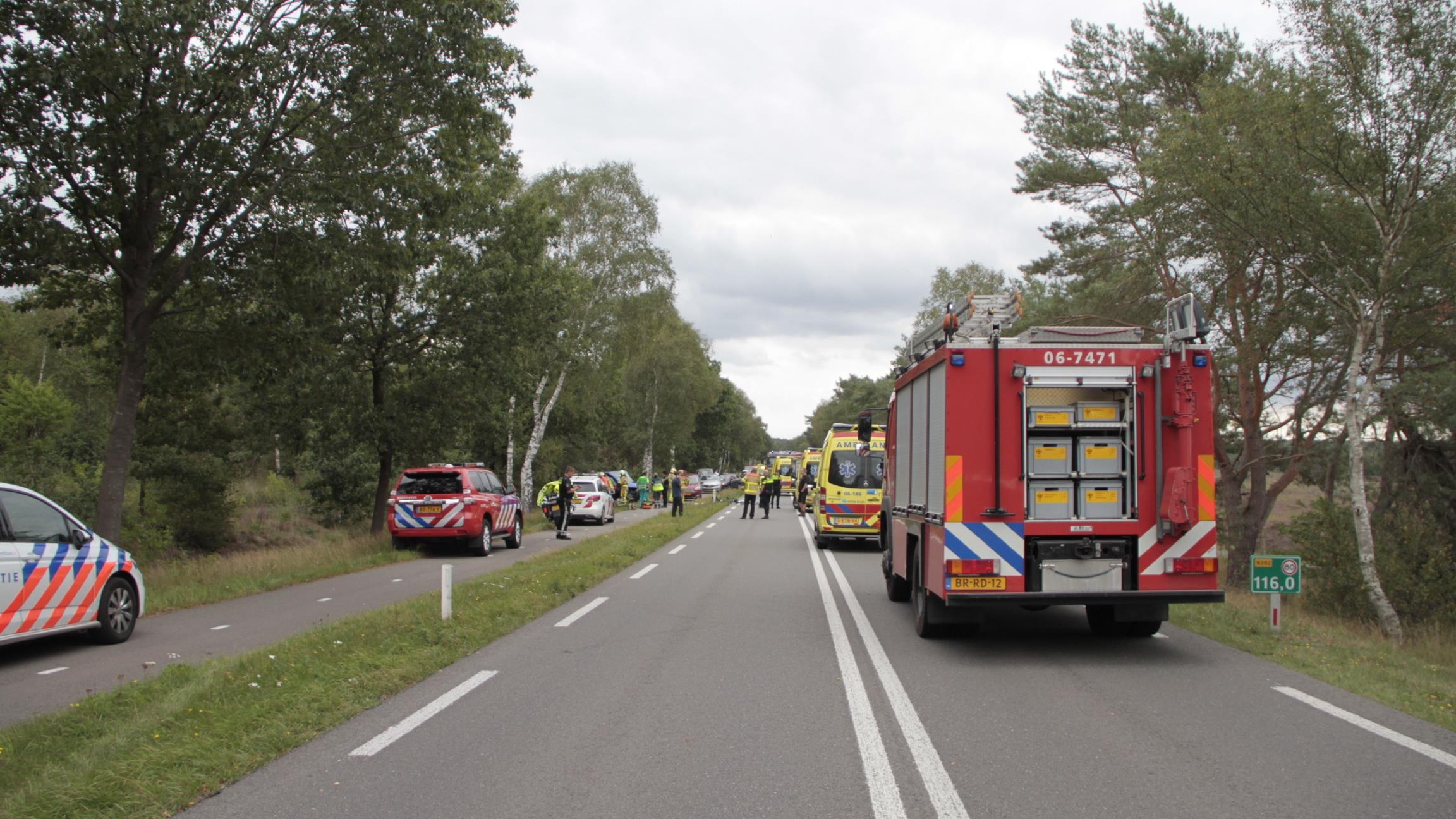 Mannen uit Steenwijk en Goor gewond bij dodelijk ongeluk in Ermelo.