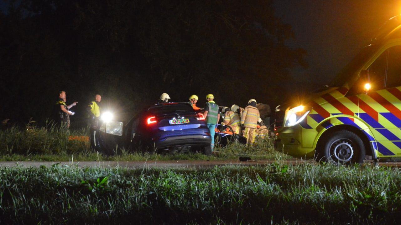 Drie gewonden bij aanrijding bij Scheerwolde.