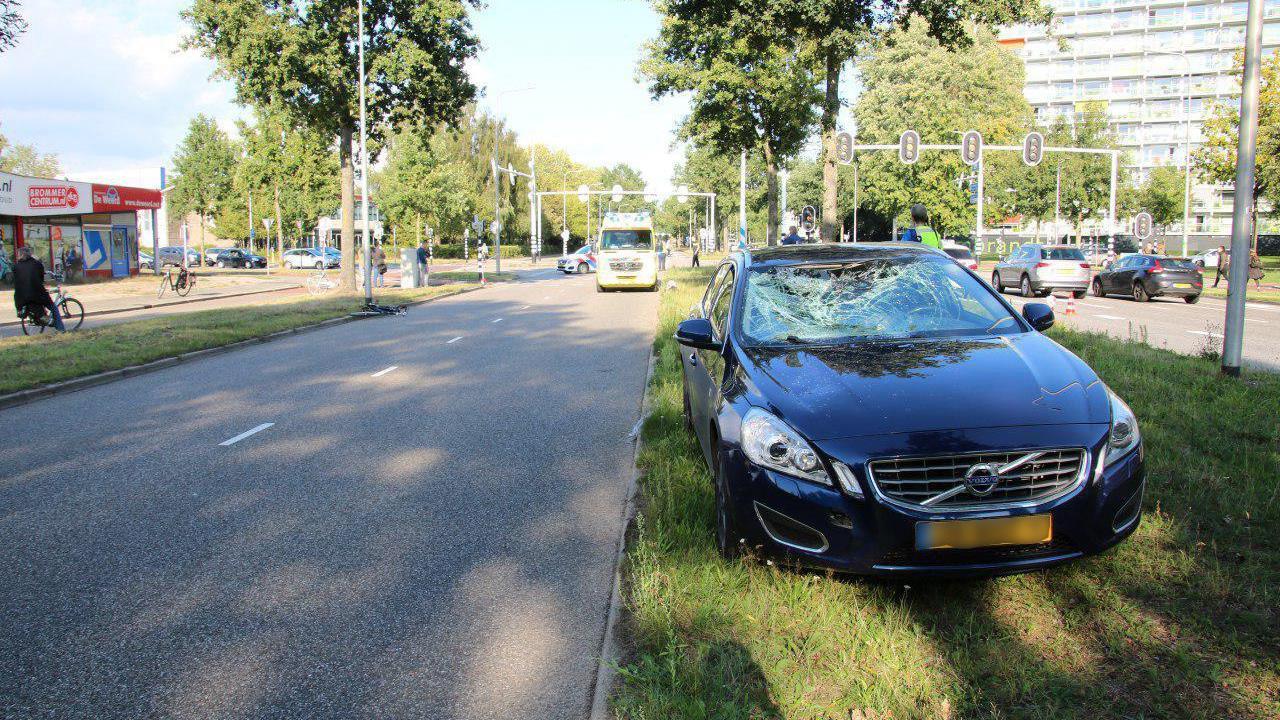 Verkeerslichten buiten werking: fietser gewond bij aanrijding in Zwolle.