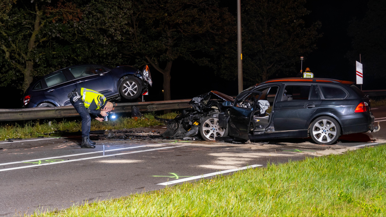 Drie gewonden bij ernstig ongeval bij Mariënheem, N35 afgesloten geweest.