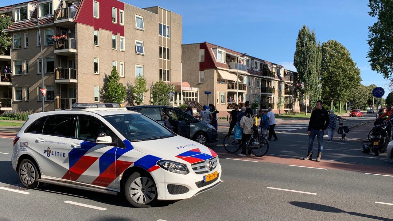 Fietsster gewond door aanrijding met auto in Nijverdal.