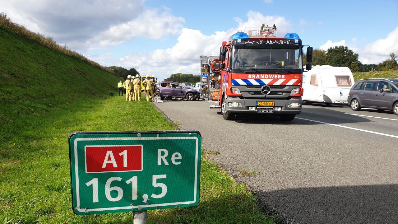 File na eenzijdig ongeval op A1 tussen Hengelo en Oldenzaal.