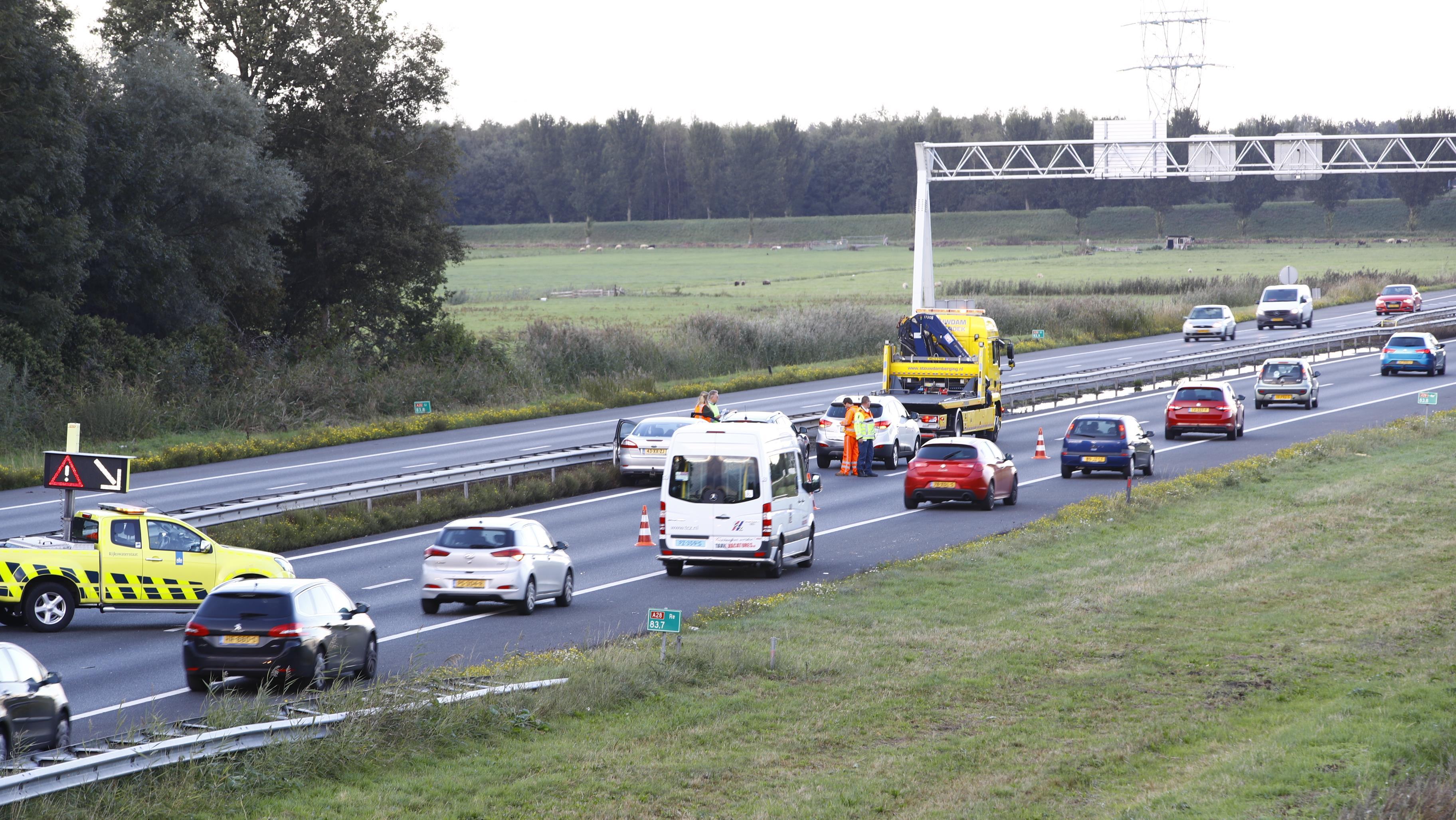 Kop-staartbotsing zorgde voor flinke file op A28 richting Zwolle.