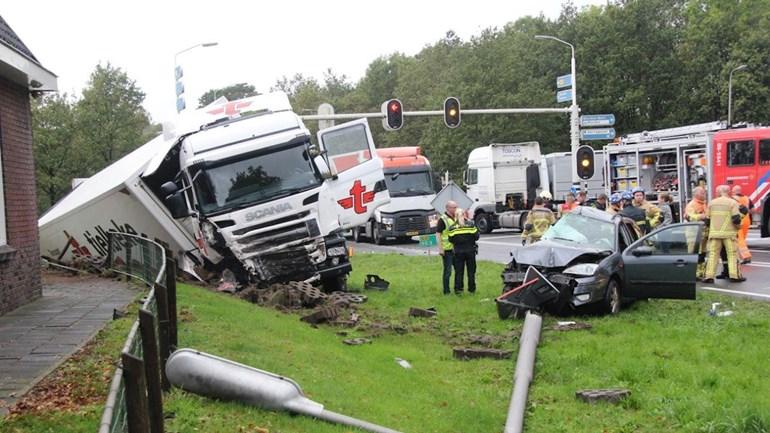 Vrouw uit Wierden overleden bij ongeluk op N35.