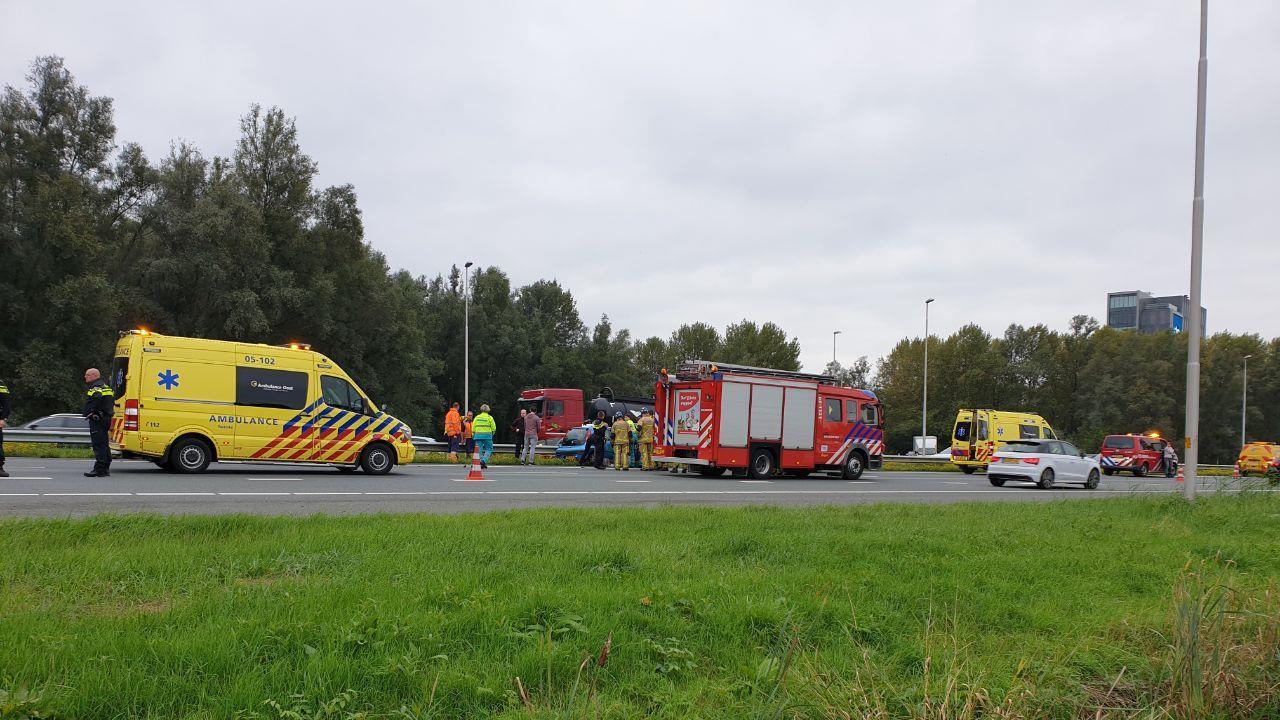 File op A1 tussen Hengelo en Almelo door ongeval.