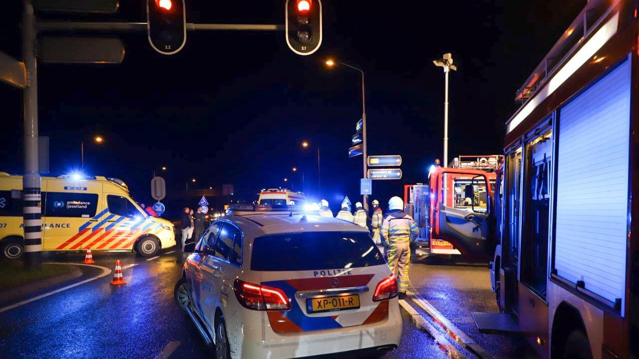 Meerdere mensen gewond bij ongeluk op N307 in Kampen.