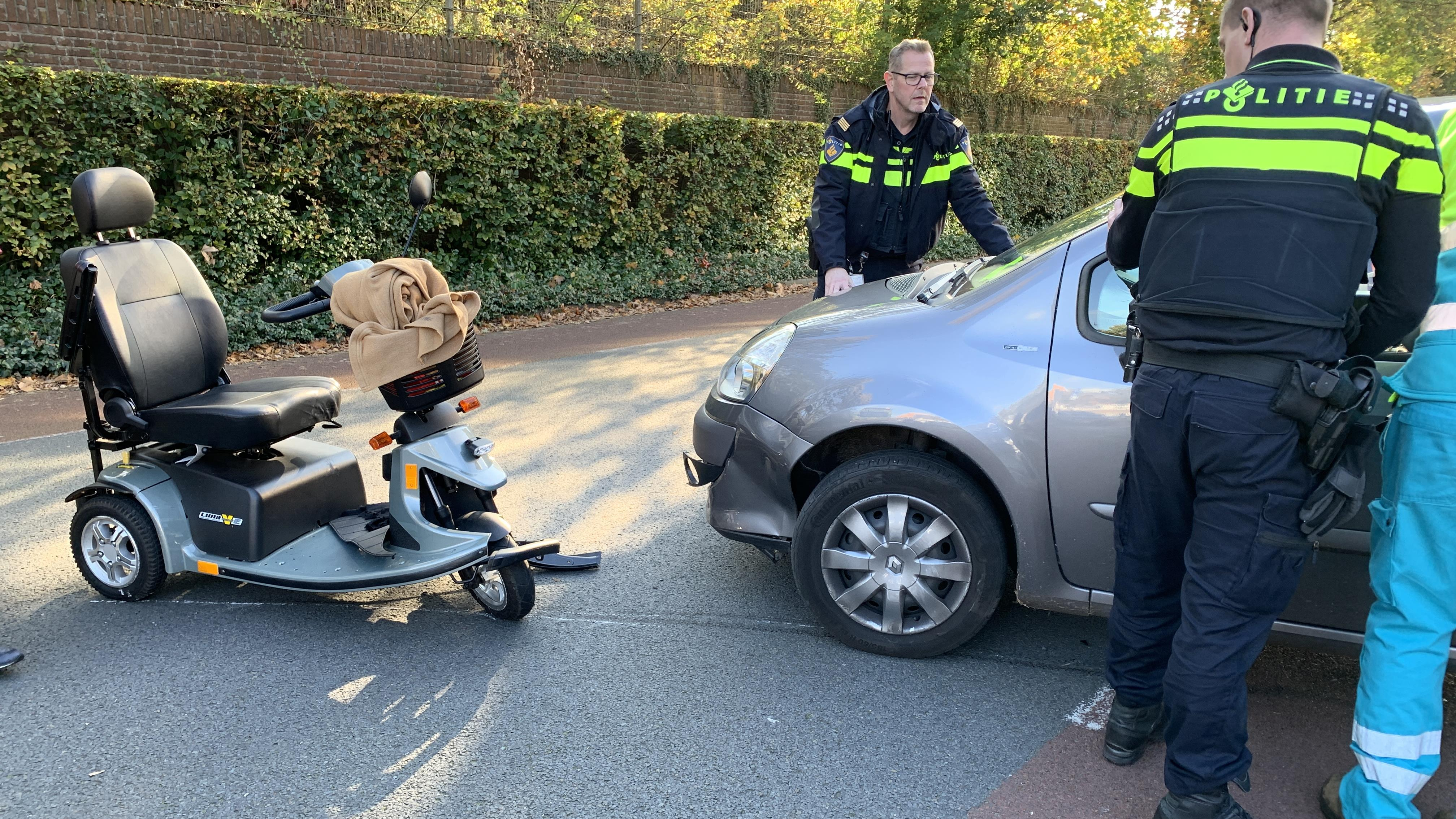 Scootmobieler gewond bij aanrijding in Deventer.