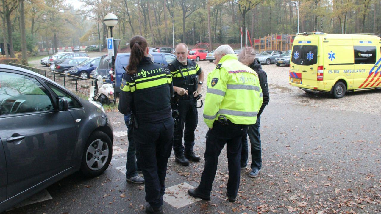 Scooterrijdster gewond bij botsing in Rijssen.