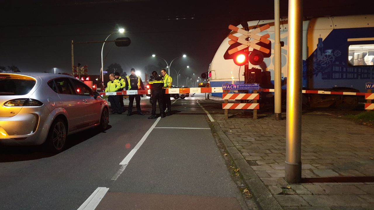 Treinverkeer tussen Enschede en Hengelo weer op gang na aanrijding met auto.