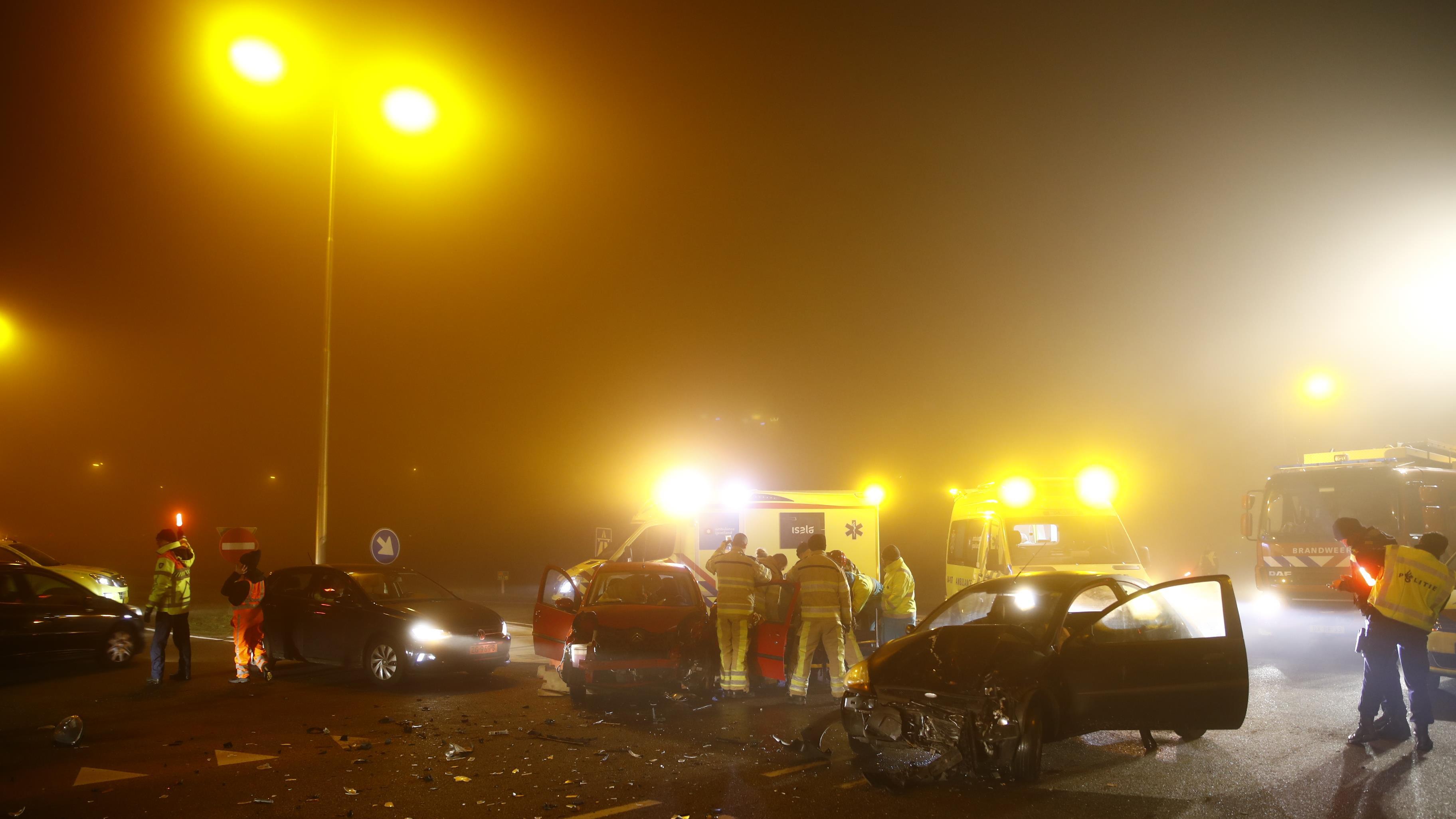 Drie gewonden bij aanrijding bij Zwolle.