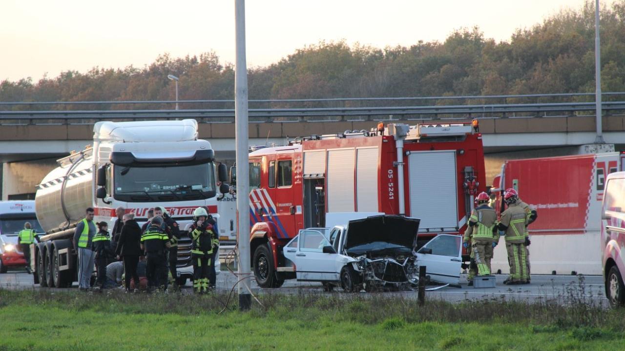 Gewonde bij ongeluk op A1 tussen Deventer en Rijssen, tot laat in de avond file.