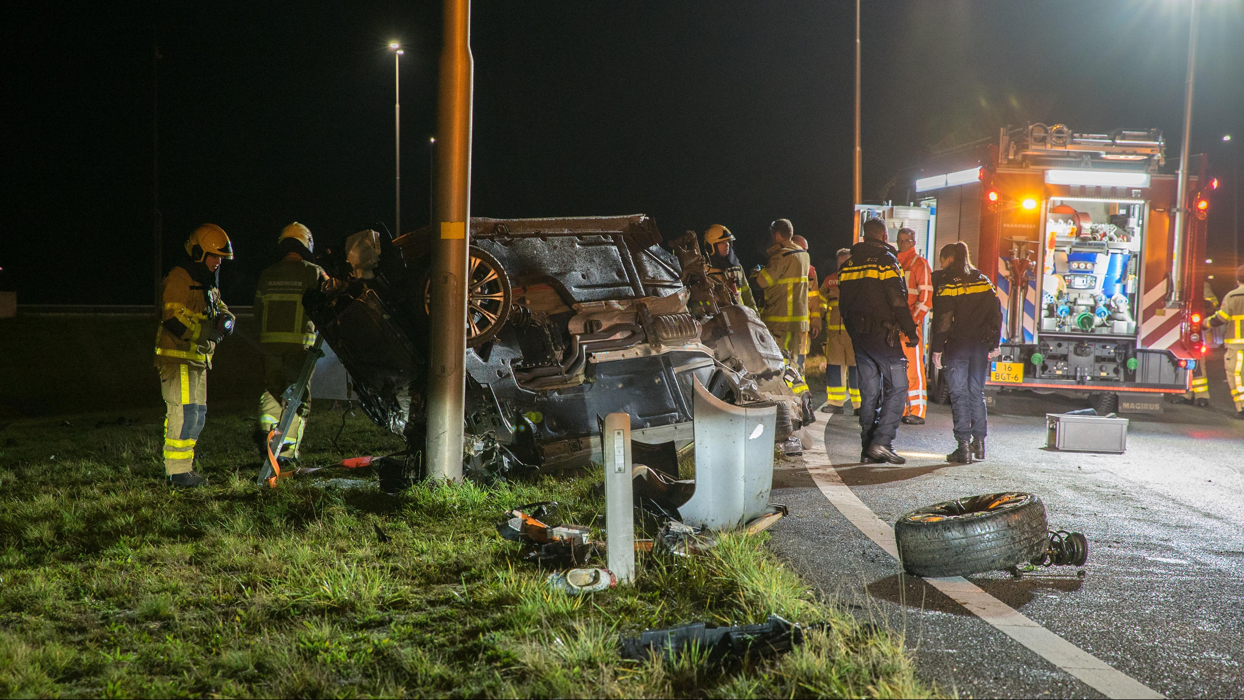 Deventenaar en Zwolse gewond bij ernstig ongeluk op verbindingsweg A1 en A50.