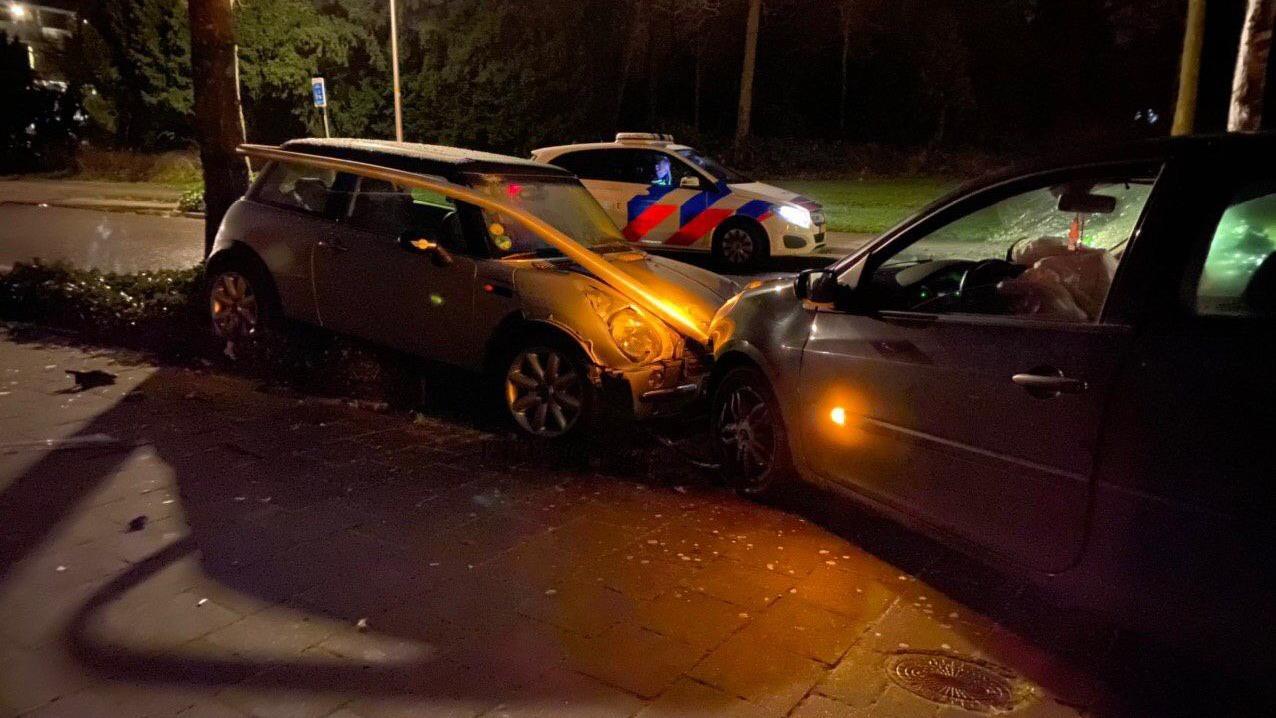 Automobilist verdwenen na ongeluk in Deventer.