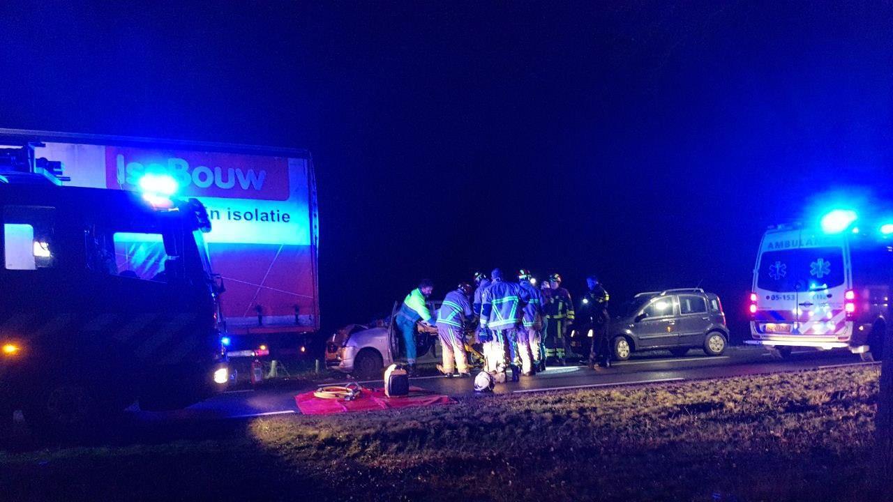 N746 in beide richtingen dicht na ernstig ongeval bij Almelo.