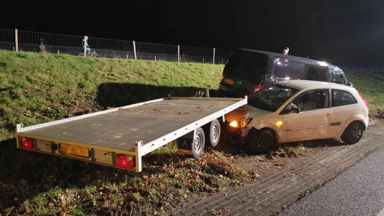 Afrit A32 bij Steenwijk afgesloten geweest na ongeluk met drie voertuigen.