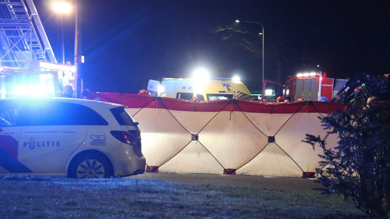 Jongen overleden door ongeluk met trekker op N349 in Reutum.