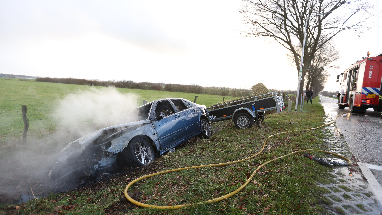 Gewonde bij eenzijdig ongeluk in buitengebied Hellendoorn.