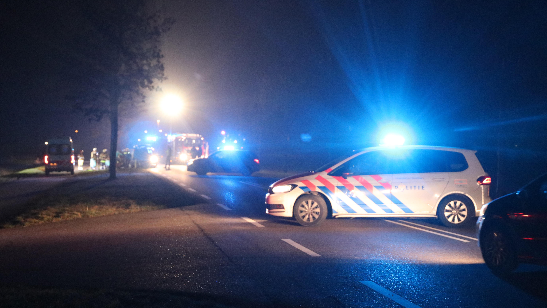 Dode en twee gewonden bij verkeersongeval in Kuinre.