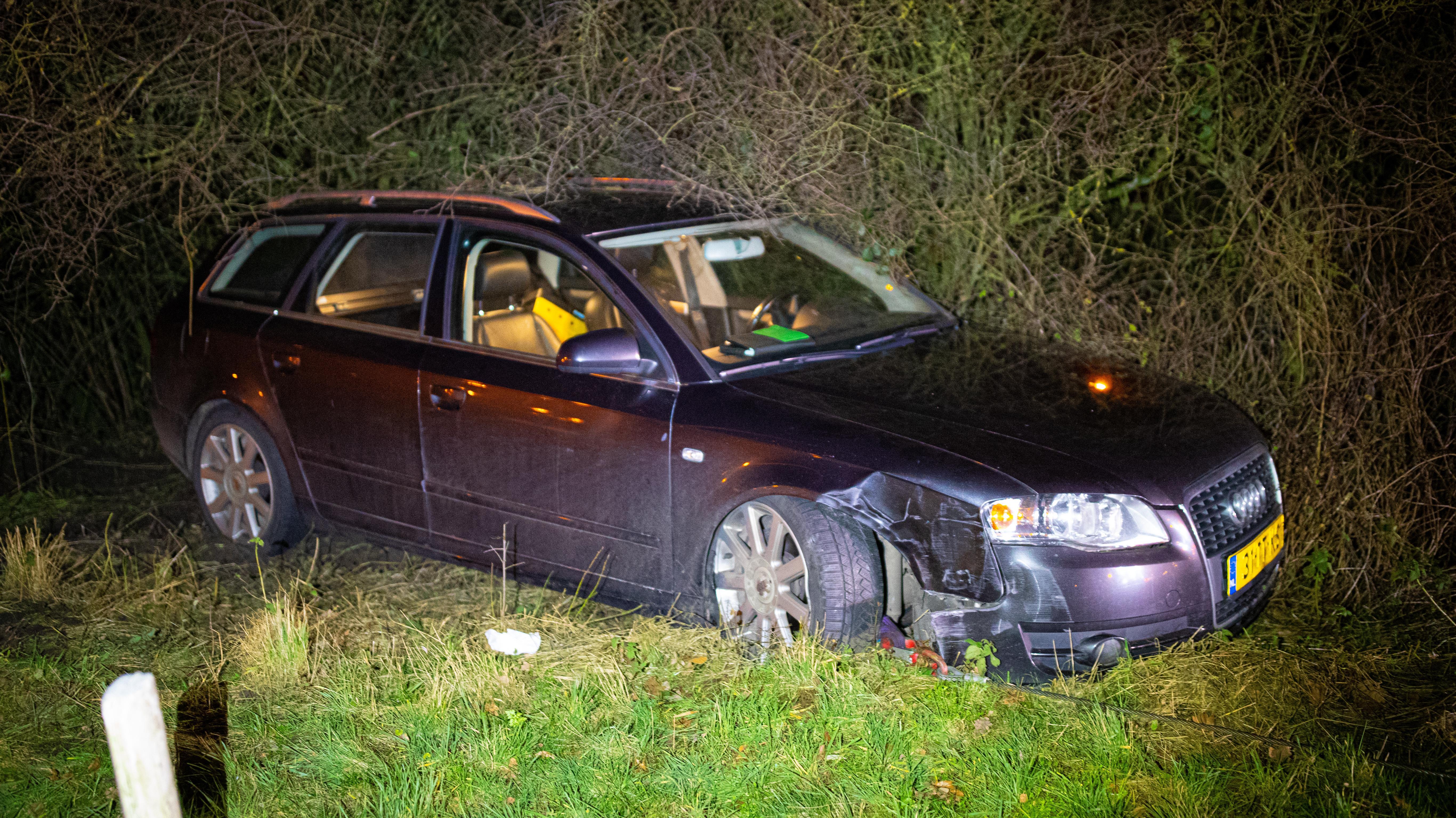 Politie houdt automobilist aan na ongeval op A28/N50, mogelijk onder invloed van alcohol.