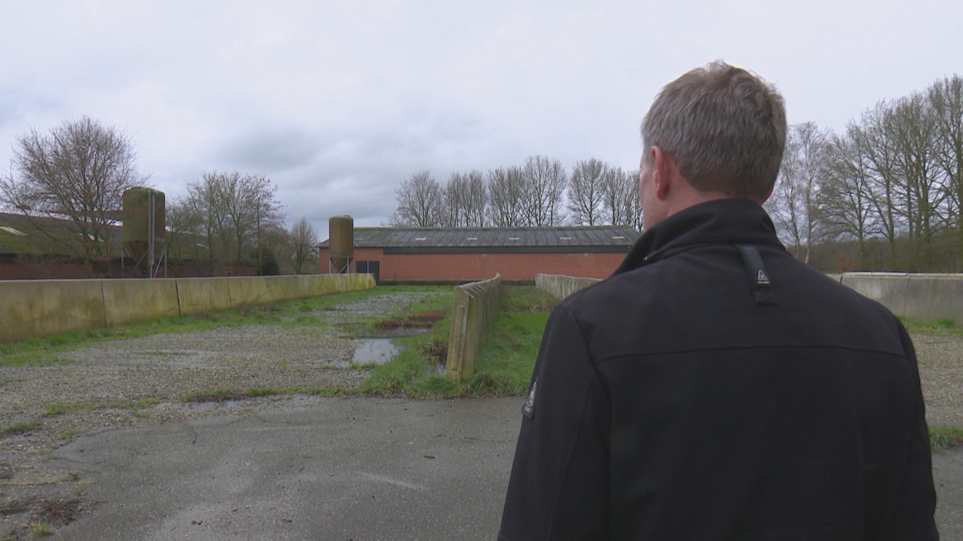 """Verhoging waterstand Engbertsdijksvenen baart bewoners zorgen: """"Kan ik hier blijven wonen?"""""""