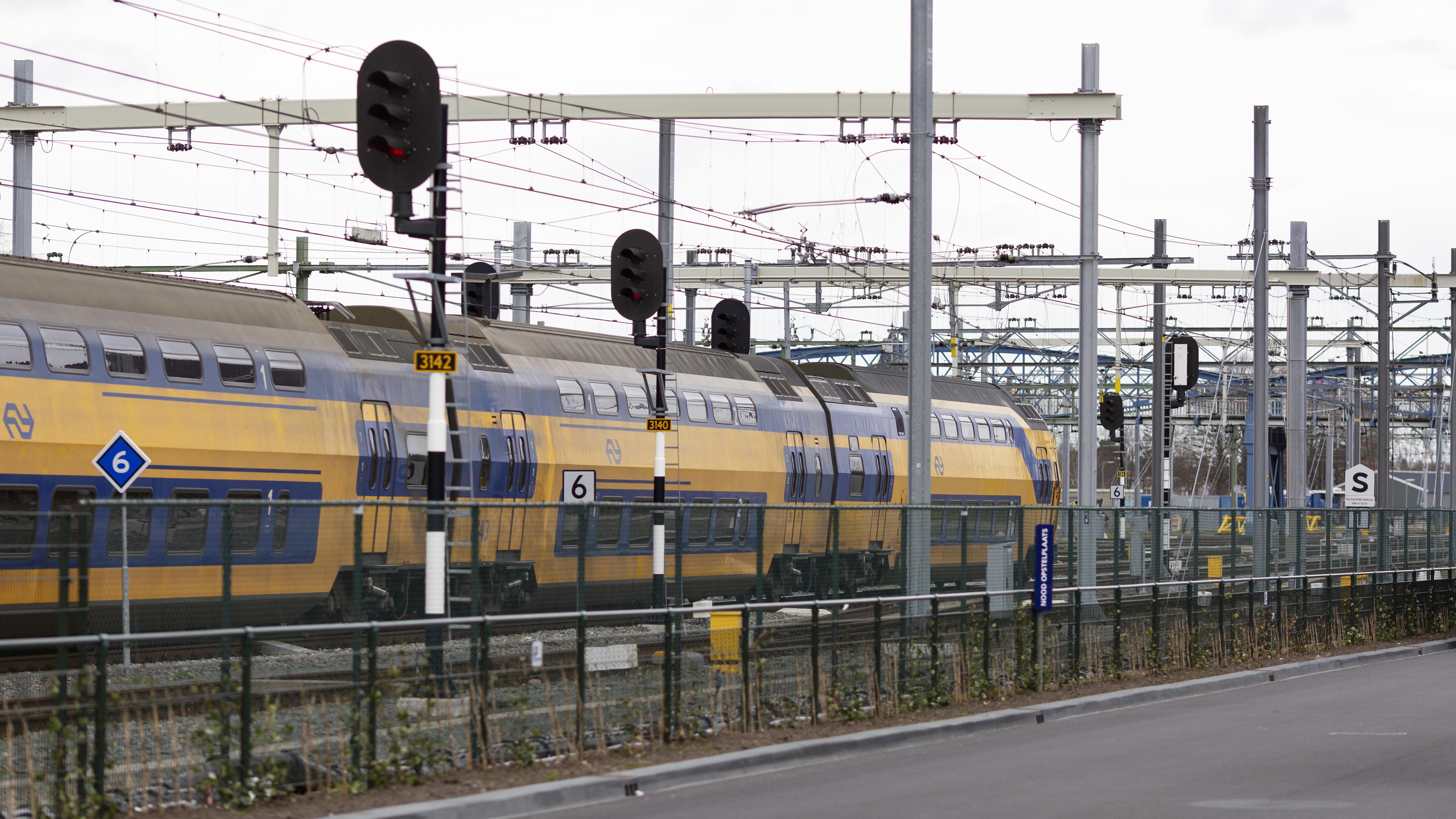 Hele ochtend geen treinen tussen Zwolle en Olst na aanrijding.